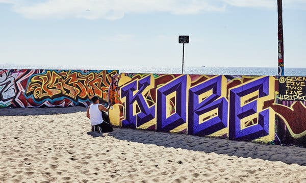 In L.A., Kobe Dominates the Paint
