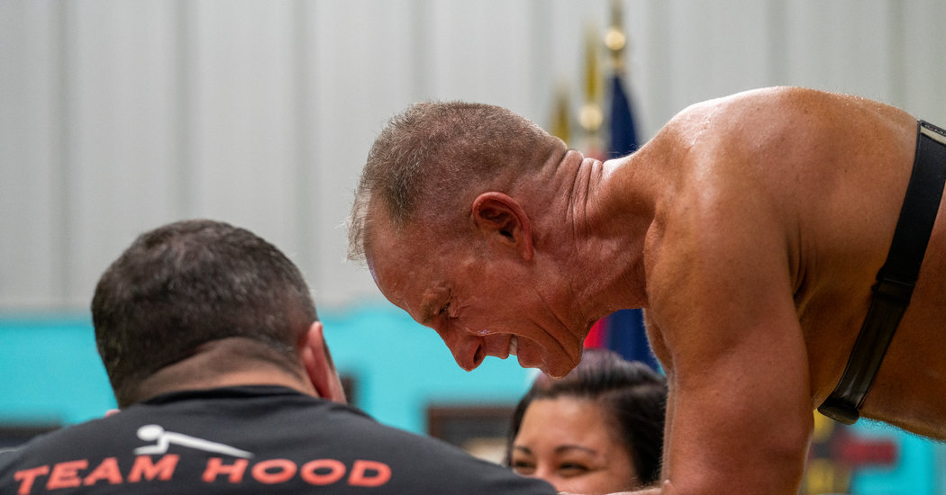 He Held a Plank for More Than 8 Hours, Setting a Record