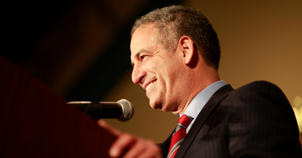 Ex-Senator Feingold Joins Fight Over Courts as Liberals Try to Counter Trump