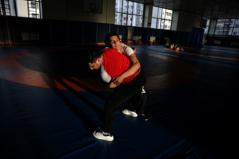 Wrestling: Bulgaria's Nazaryan aims to follow in father's footsteps
