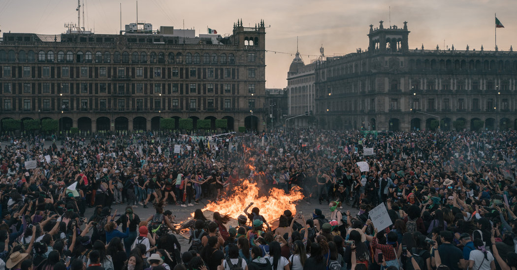 In Mexico, Women Go on Strike Nationwide to Protest Violence
