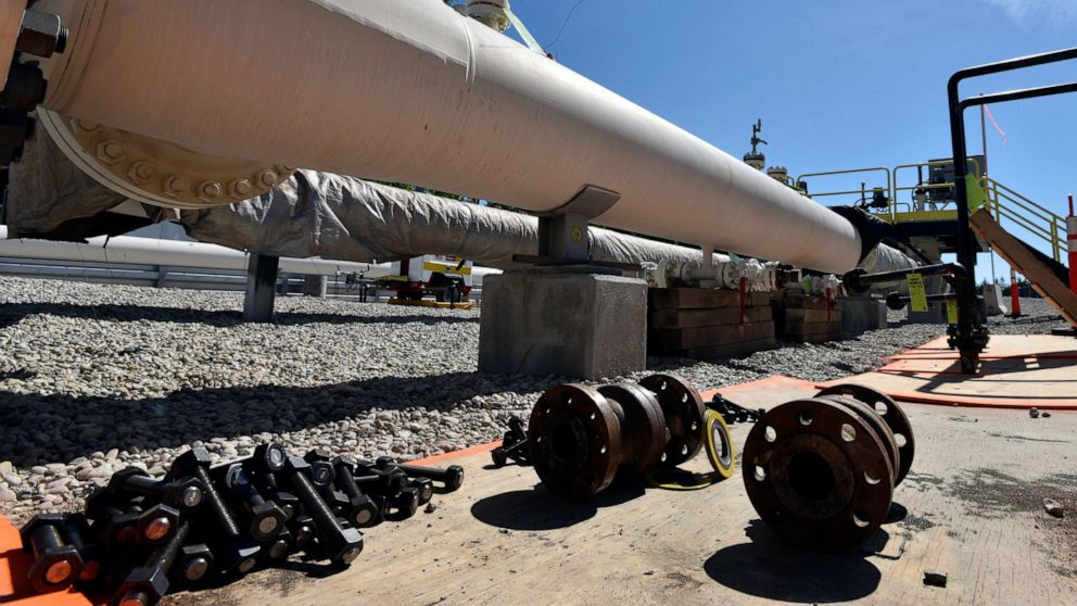 Enbridge hires companies to design, build Great Lakes tunnel