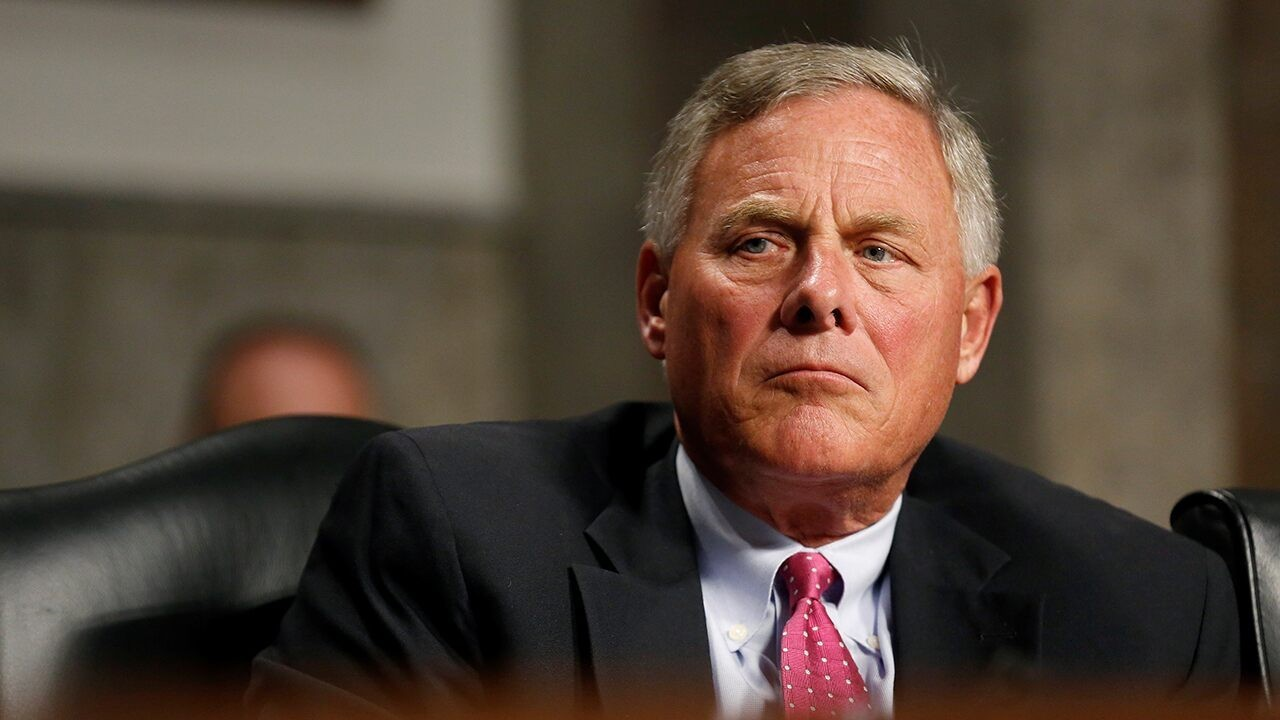 Tucker Carlson calls on Burr to explain reported $1.6M stock sale or resign