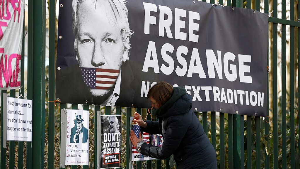 Lawyers for Julian Assange to apply for bail, citing risk of coronavirus