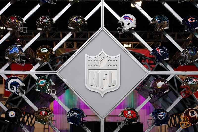 NFL moves franchise tag deadline to Monday
