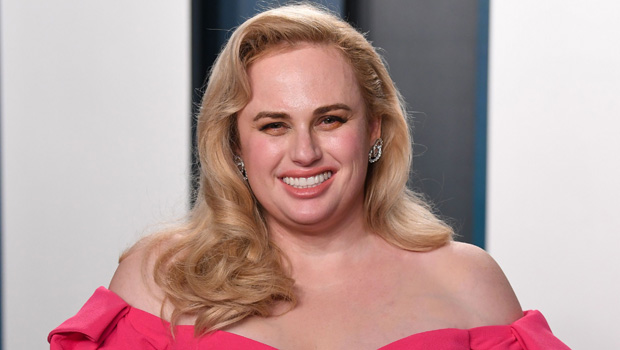 Rebel Wilson Shows Off Her Weight Loss & Slimmer Waist In Tiny Ski Outfit — Pics