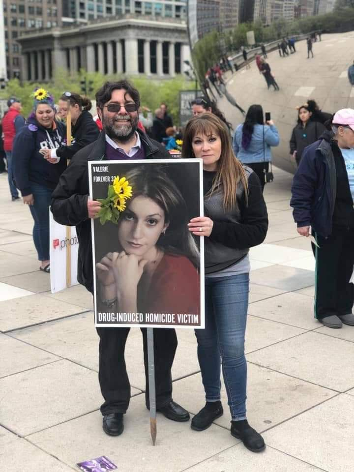 Terry Slaw and Irene Rodik at a demonstration in May 2019 in Millennium Park calling for enforcement of the state's drug-induced homicide law.