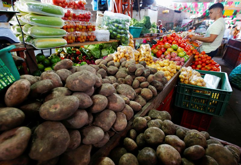 Analysts see Colombia's 2020 inflation below central bank target: Reuters survey