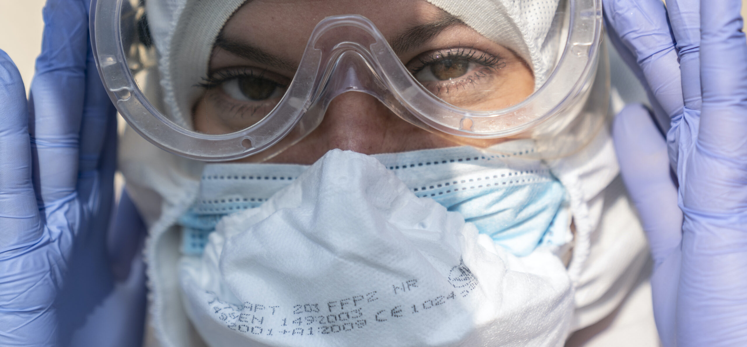 Ukrainian woman uses underwear as face mask after service denied at post office: report
