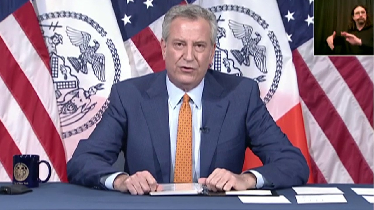 De Blasio promises 'independent review' after anti-cop riots in New York City