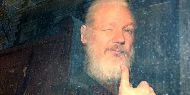 London court delays Julian Assange extradition hearing