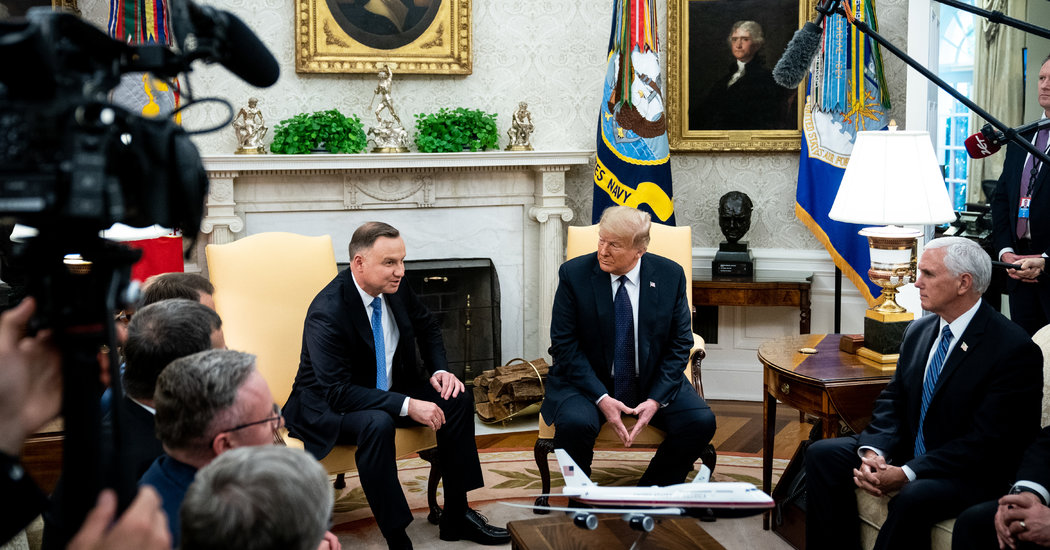 Trump Hosts Polish President in Oval Office