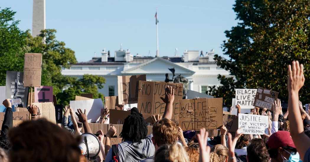 Man Shelters Over 70 Protesters Fleeing Arrest in His Washington Home