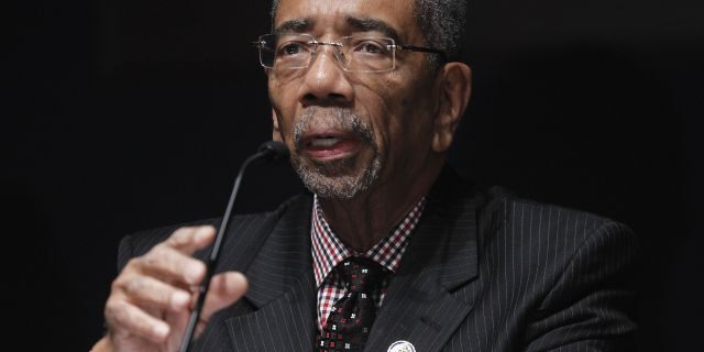 Dem congressman likens Chicago police union to KKK: 'Like kissing, hugging and law-breaking cousins'