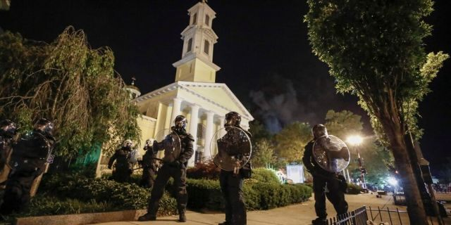 Rector of church near White House set ablaze Sunday night says damage could have been 'a lot worse'