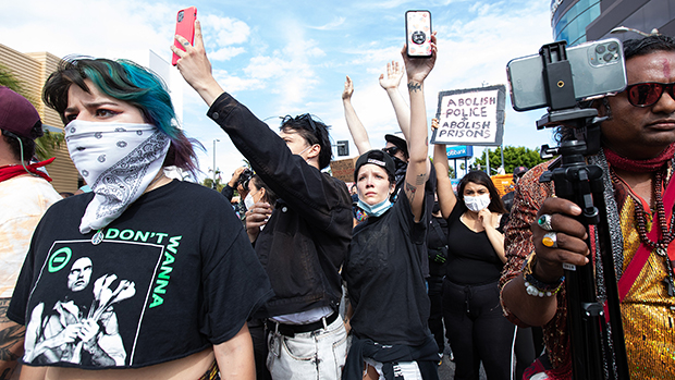 Halsey Calls Out Fans Who Asked For Selfies With Her At George Floyd Protests