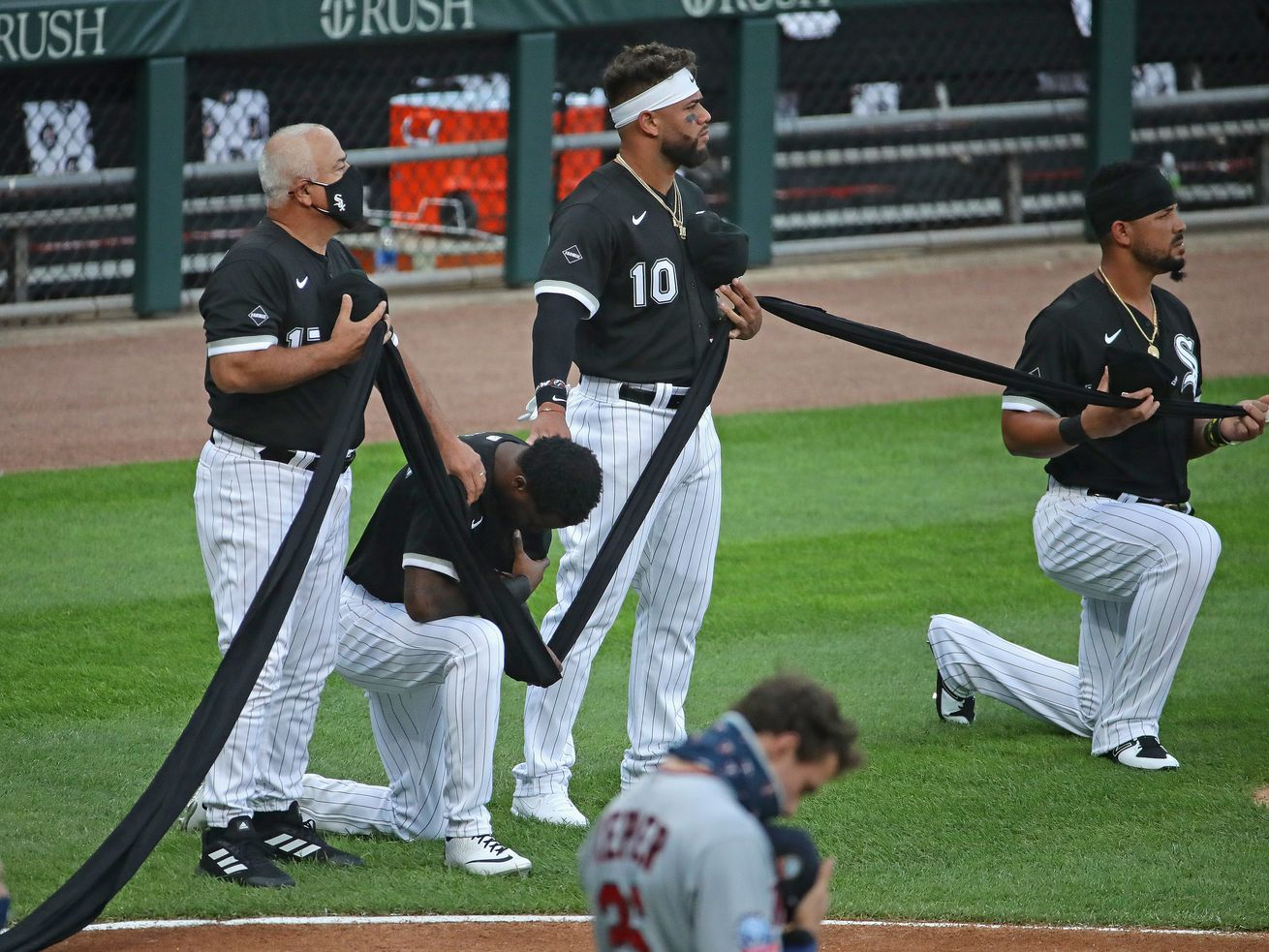 """Tim Anderson reflects on """"emotional"""" moments before Friday's White Sox opener"""