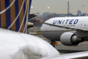 United Airlines adds more international routes for September