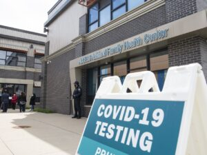 Biggest coronavirus testing day ever in Illinois results in state's worst day for new cases in a month