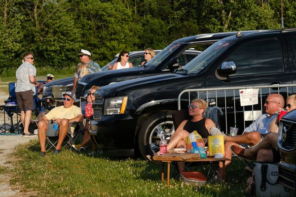 Yacht Rock Revue Kicks Off First Night of Drive-In Concerts in Indiana