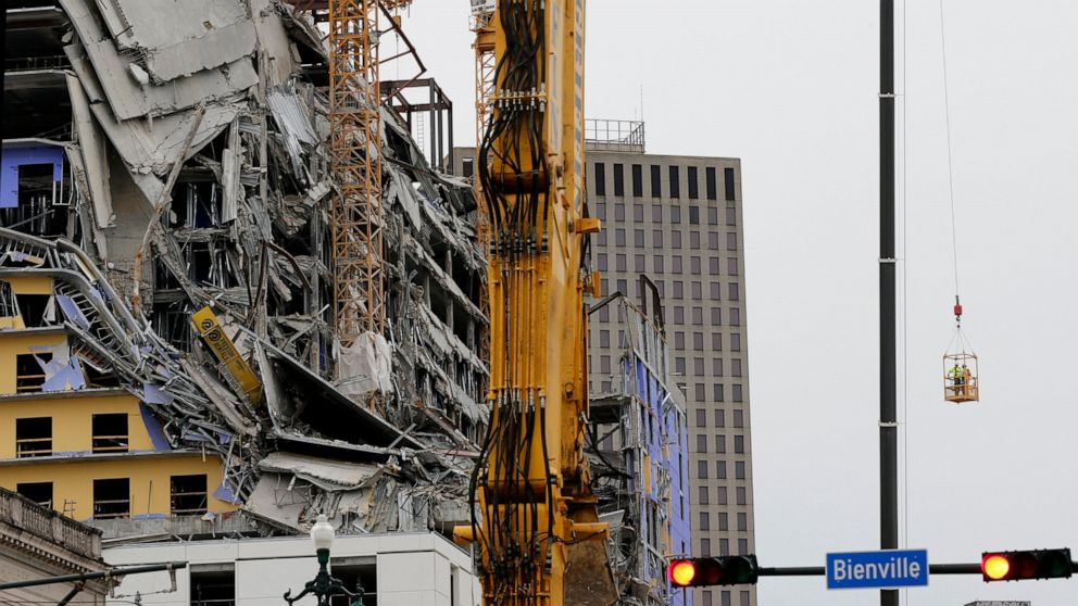 New Orleans fire chief: Bodies out from collapsed hotel soon