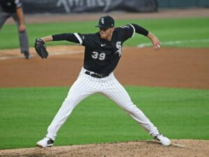 White Sox' Aaron Bummer lands on IL with biceps strain; Zack Burdi recalled