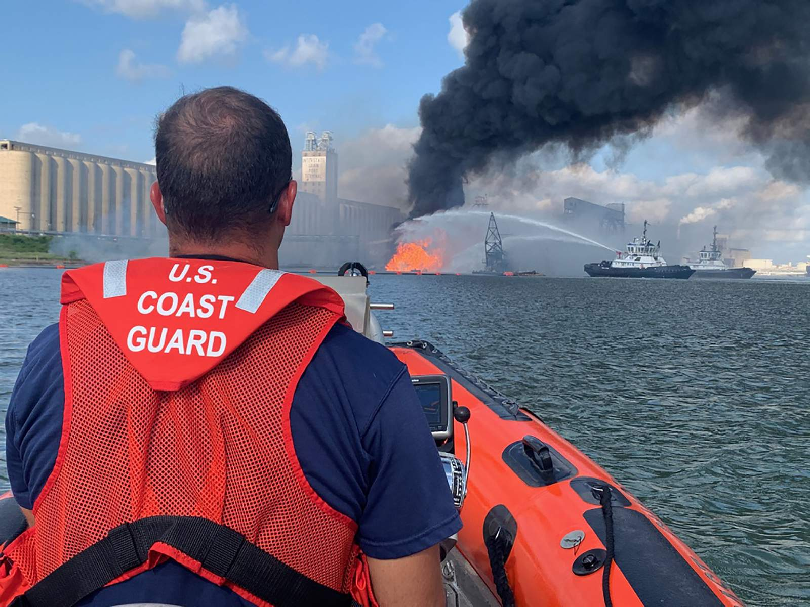 Search ends for 2 still missing after Texas port explosion