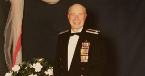 Col. Steven dePyssler, Who Aided Veterans' Families, Dies at 101