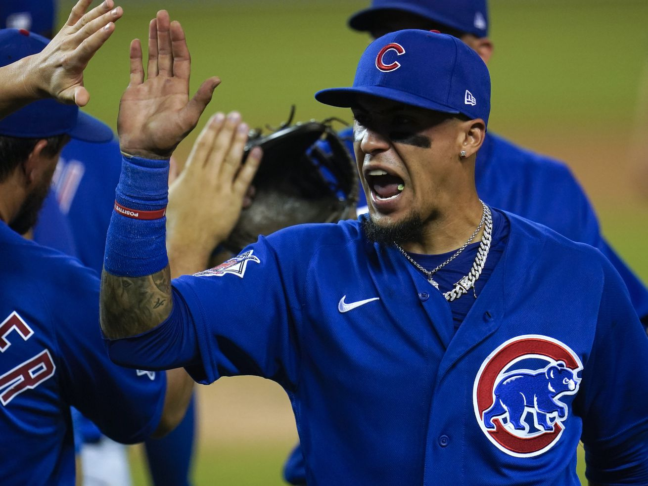 Javy Baez's two-homer night leads Cubs' offensive explosion against Tigers