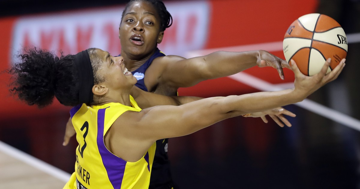 Candace Parker, Chelsea Gray lead Sparks to win over Fever