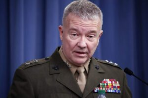 US commander: Islamic State threat in west Syria growing