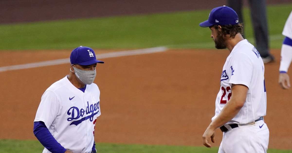 Clayton Kershaw stumbles in his second start as Dodgers fall to Giants