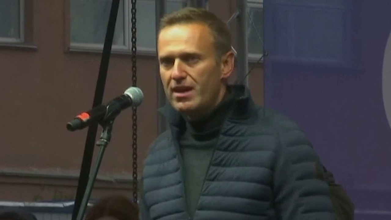 Russian doctors clear Alexei Navalny, Putin critic in coma, to be flown to Berlin for treatment