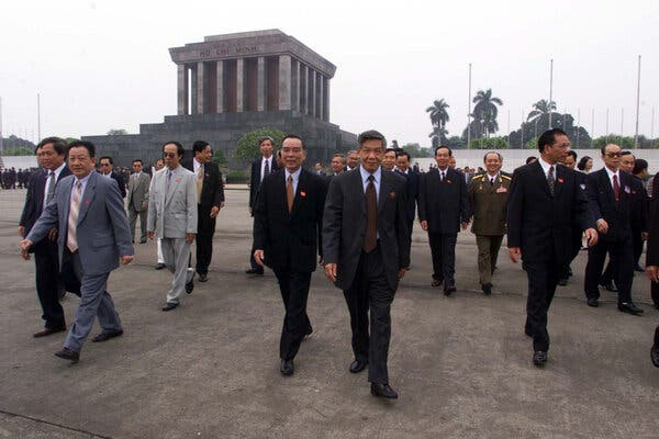 Le Kha Phieu, Vietnam Leader Who Was Pushed Out, Dies at 88