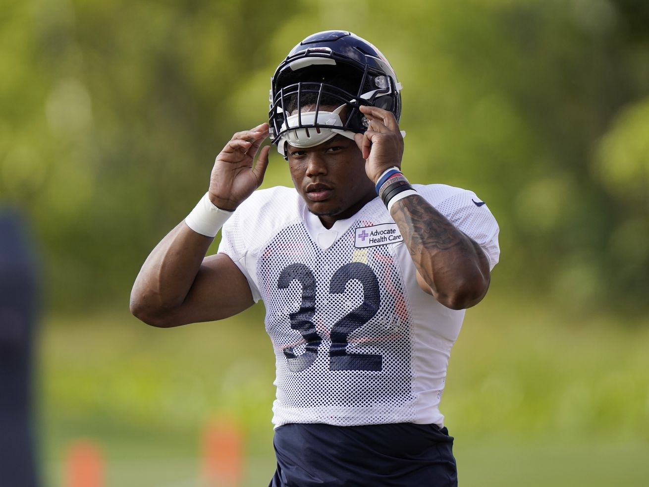 Bears RB David Montgomery leaves practice on cart due to injury
