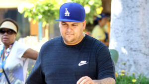 Rob Kardashian Claims He's 'Back' After Dropping Major Weight & Fans Gush Over His 'Handsome' New Selfie