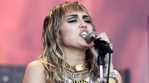 Miley Cyrus Reveals That the First Time She 'Hooked Up' Was With 2 Girls In Candid New Interview