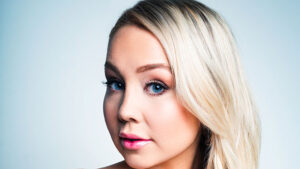RaeLynn Reveals How She 'Found Her Voice' With 'Confident & Unapologetic' EP 'Baytown'