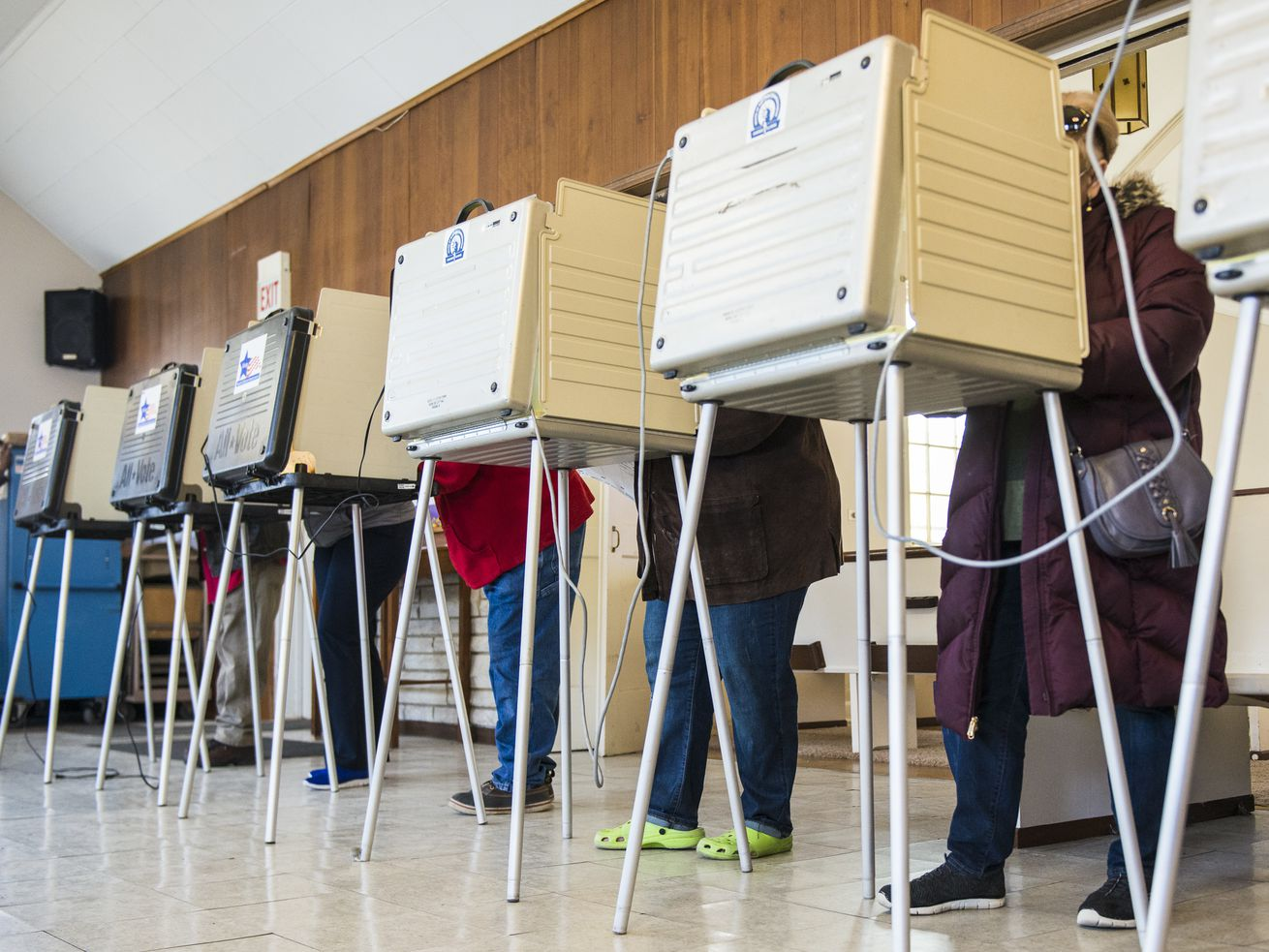 Will 20% of Illinois ballots be cast by mail? State exceeds 1.1 million requests for vote-by-mail ballots