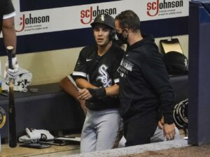White Sox' Nick Madrigal leaves game with apparent injury