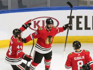 Blackhawks eliminate Oilers, reach round of 16 in Stanley Cup playoffs
