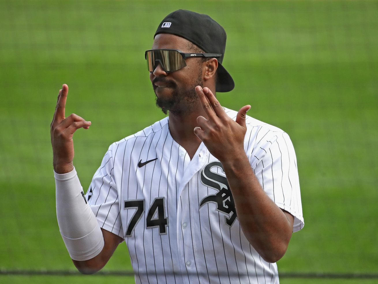 Thanks for lifting our spirits, Sox and Cubs, and for playing with class in strange times