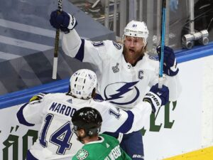 Lightning beat Stars, take 2-1 lead in Stanley Cup Final