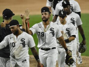 White Sox halt six-game losing streak with 9-5 victory over Cubs