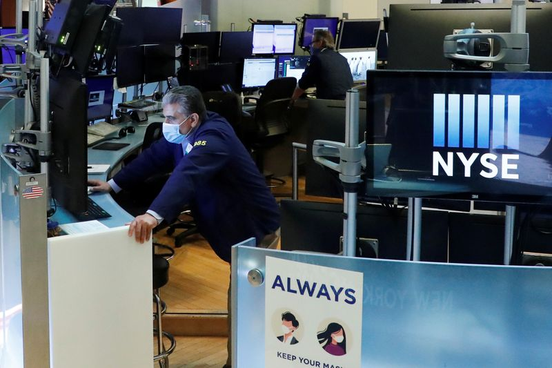 Market volatility prompts investors to seek out long-short equity