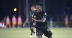 LAFC gives up two late goals in 'bad loss' to Earthquakes