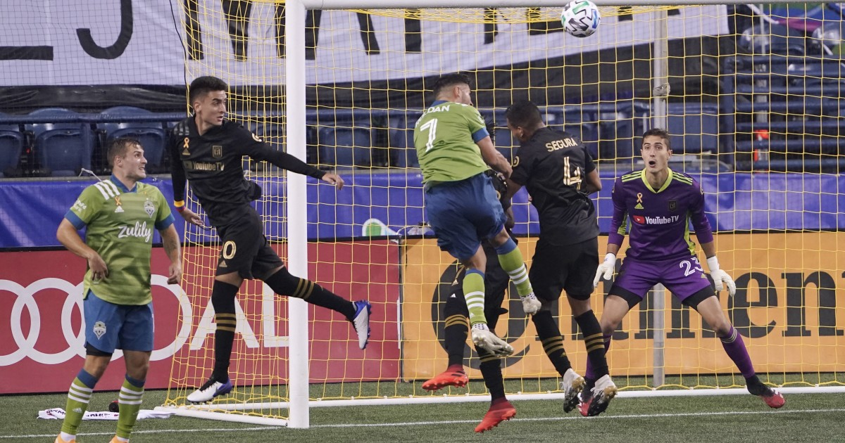 LAFC's struggles continue in 3-0 loss to Seattle Sounders