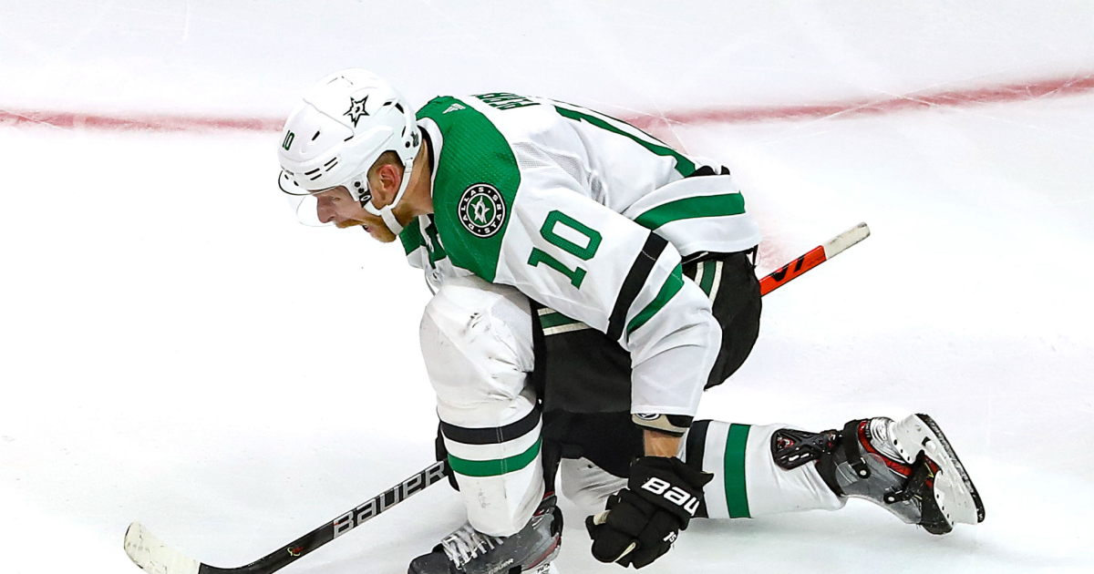 Stanley Cup Final: Stars defeat Lightning in two OTs in Game 5, avoid elimination