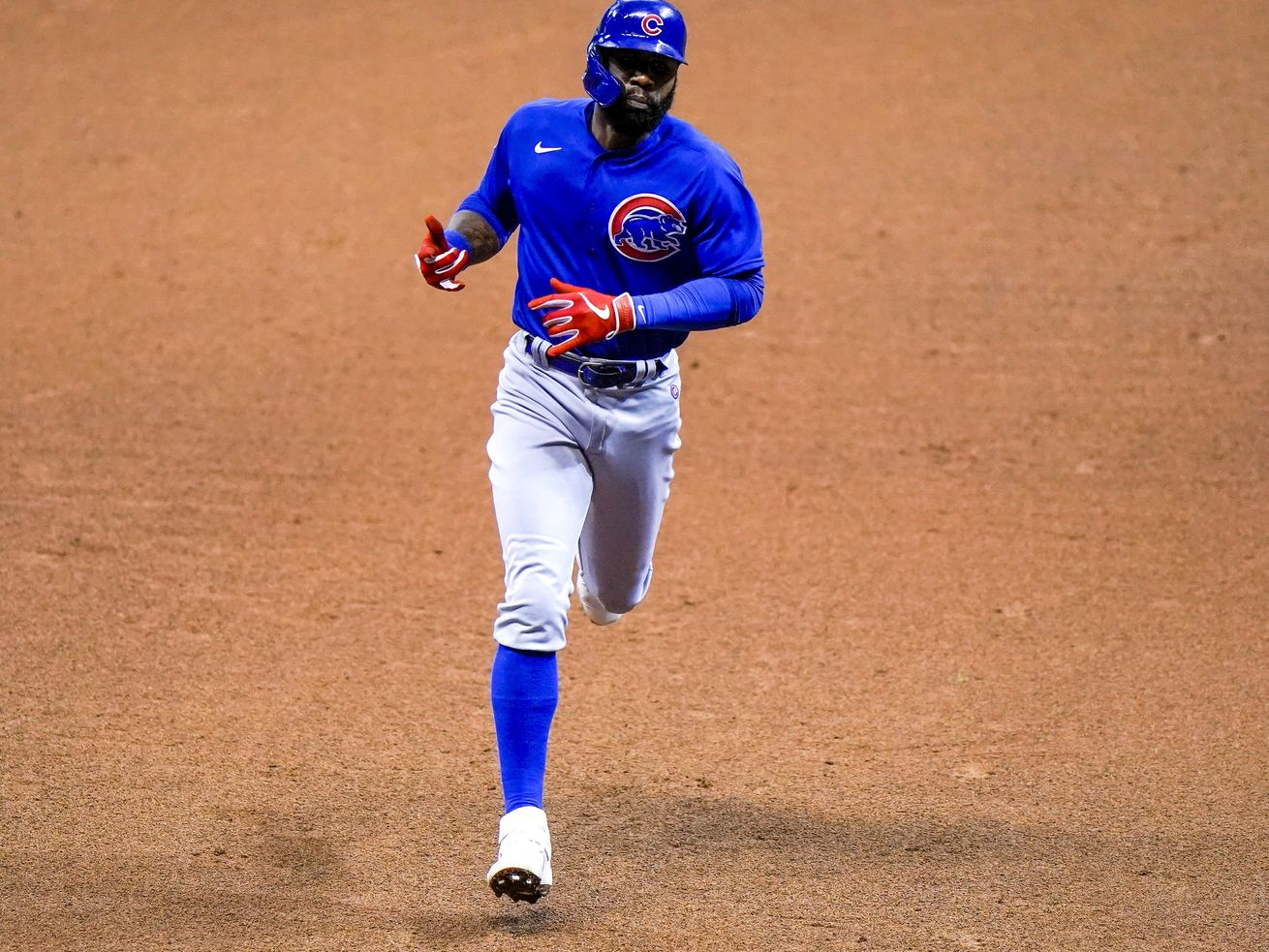 Jason Heyward's three-run blast caps Cubs' ninth-inning comeback over the Brewers