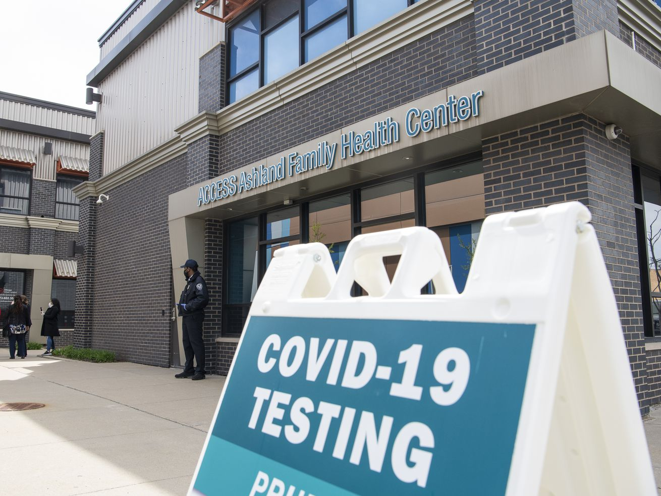 Illinois hits three new milestones in COVID-19 testing, still not enough for high school football, Gov. Pritzker says